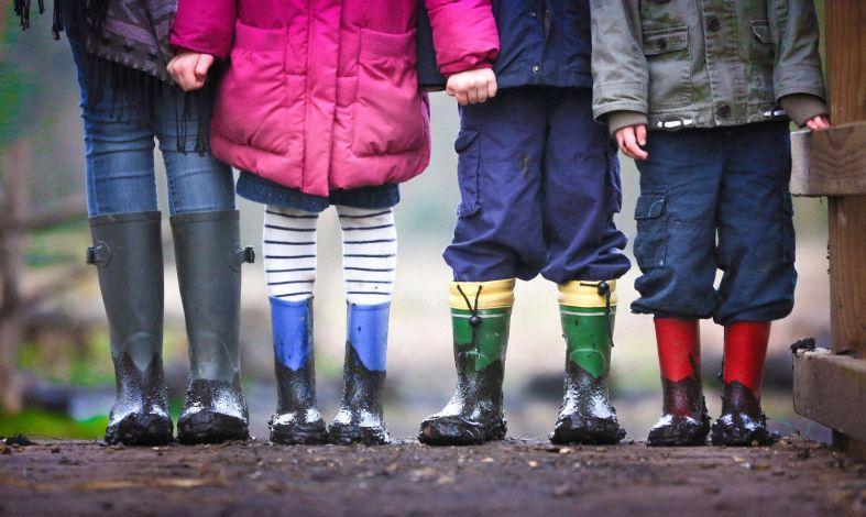 Autyzm wczesnodziecięcy - co to jest, objawy, przyczyny, leczenie