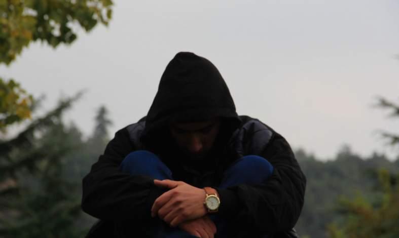 Skąd bierze się deprywacja emocjonalna?