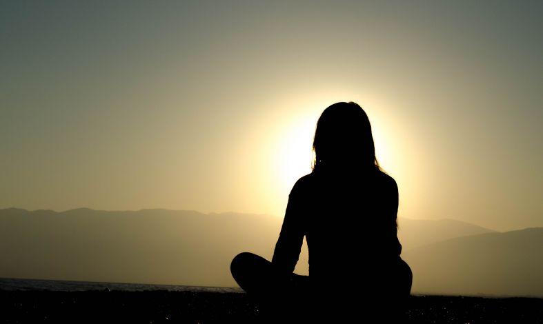 Jak łagodzić objawy depresji. 5 sposobów na złagodzenie smutku.