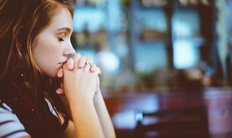 Stresujesz się ważnym spotkaniem i już wiesz, że nic się na nim nie uda? Poczytaj o emocjonalnym uzasadnieniu