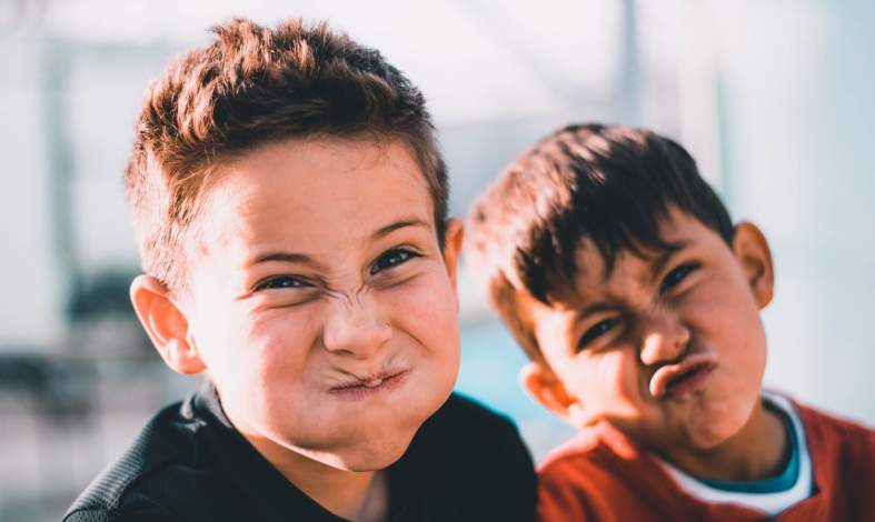 Dlaczego dzieci się jąkają? Przyczyny, objawy i leczenie jąkania