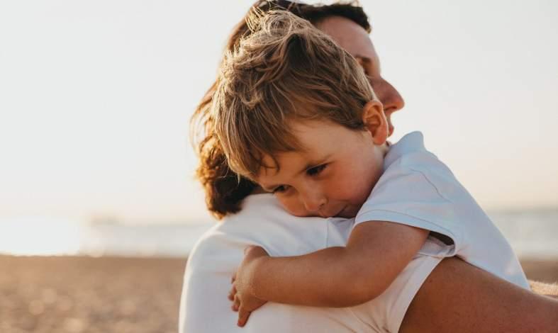 Nadmiernie chroniąca postawa rodzicielska