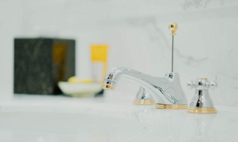 Obsesyjne mycie dłoni - skąd się bierze i jak się go pozbyć?