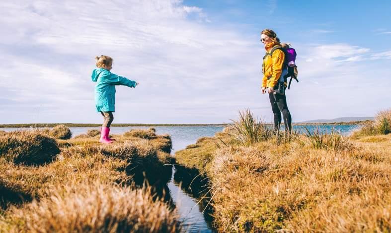 Parentyfikacja - dlaczego dzieci przejmują role dorosłych? Jak rozpoznać parentyfikację?