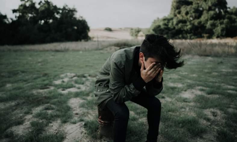 Jaki jest związek między parentyfikacją a narcystycznym zaburzeniem osobowości?