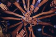 Efekt próżniactwa społecznego, czyli dlaczego działając w grupie jesteśmy mniej produktywni?