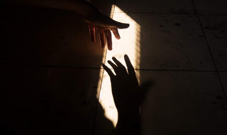 Jak zapobiegać samobójstwom. Formy i rodzaje wsparcia. Gdzie szukać pomocy ?