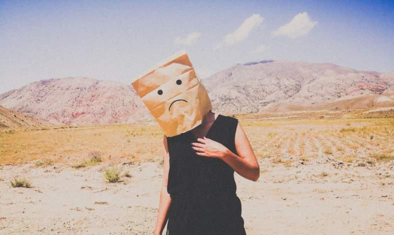 Widzisz świat w ciemnych barwach? Przełam schemat negatywizmu i pesymizmu