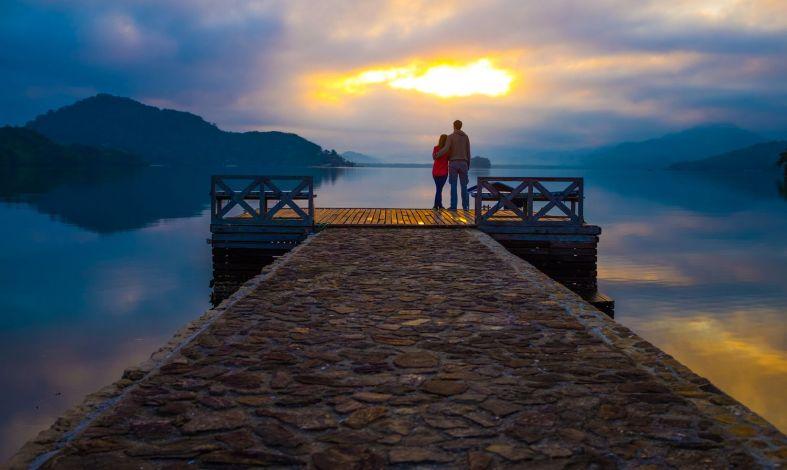 Zazdrość o przeszłość partnera - skąd się bierze i jak się jej pozbyć?